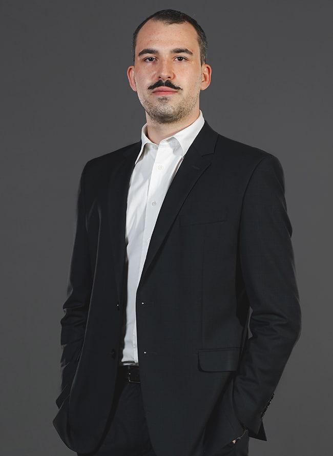 João Pedro Theiss Debastiani - Menezes Niebuhr