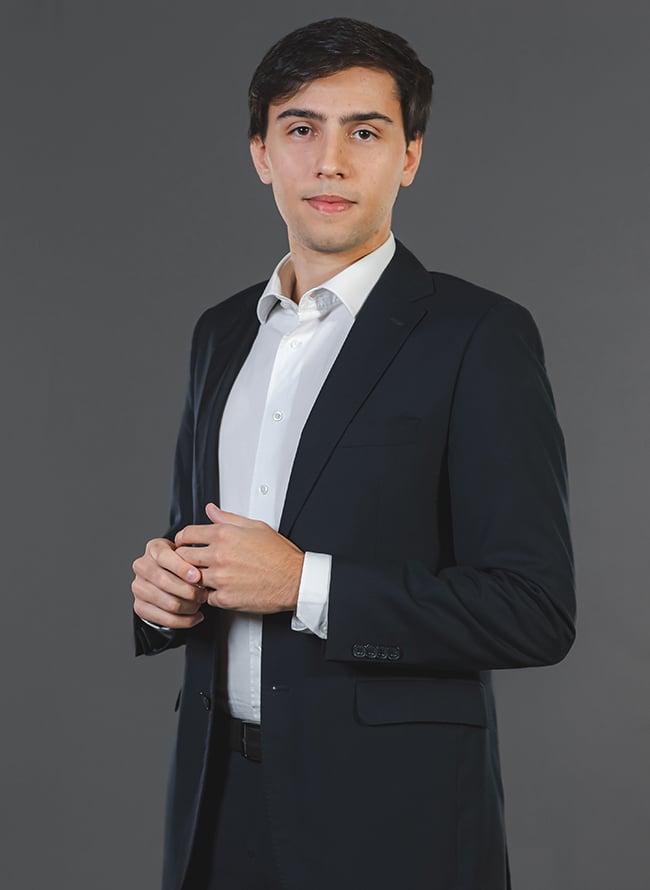 Leonardo Albuquerque - Menezes Niebuhr