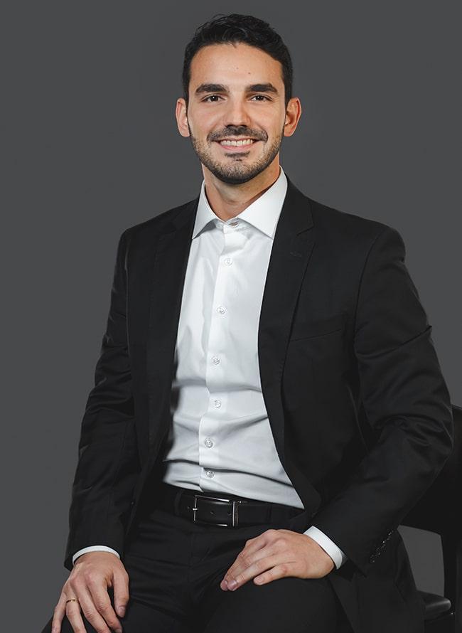 Lucas Rocha Mendes - Menezes Niebuhr