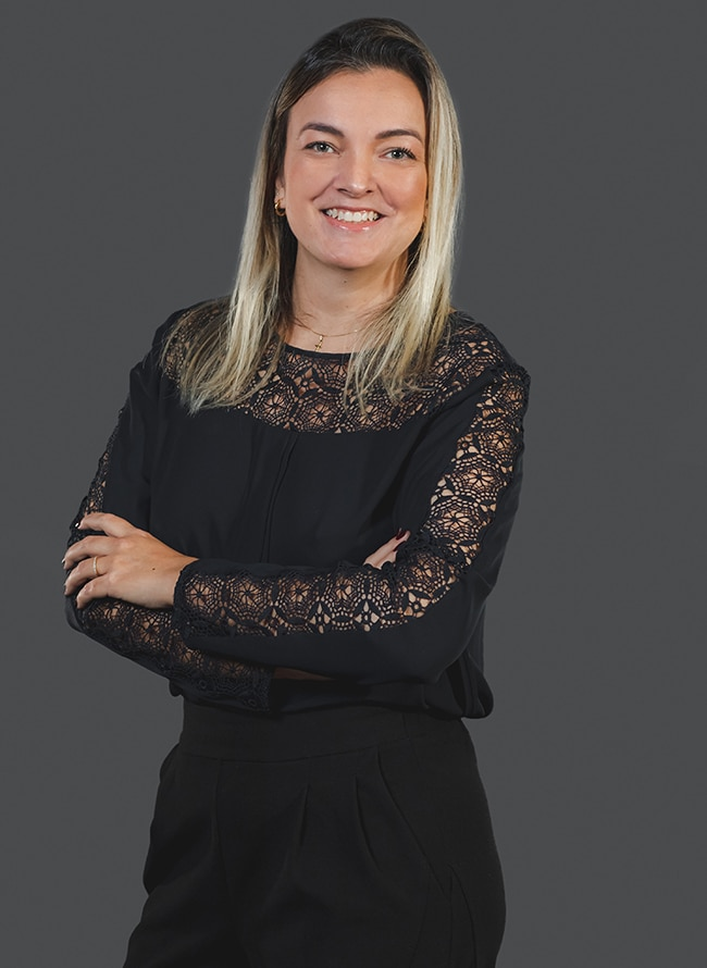 Mariana Collaço Linhares - Menezes Niebuhr