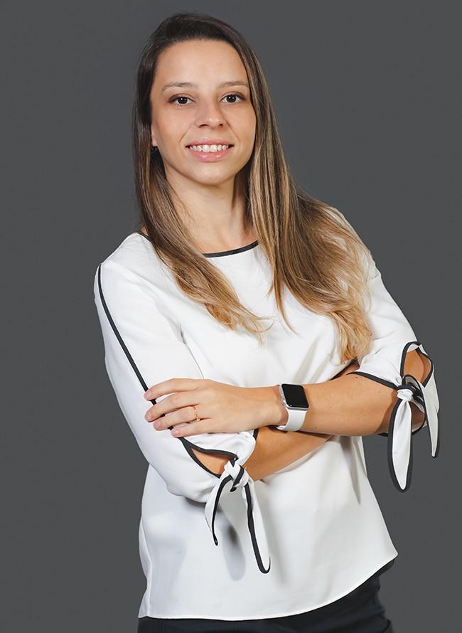 Rafaela Ros - Menezes Niebuhr
