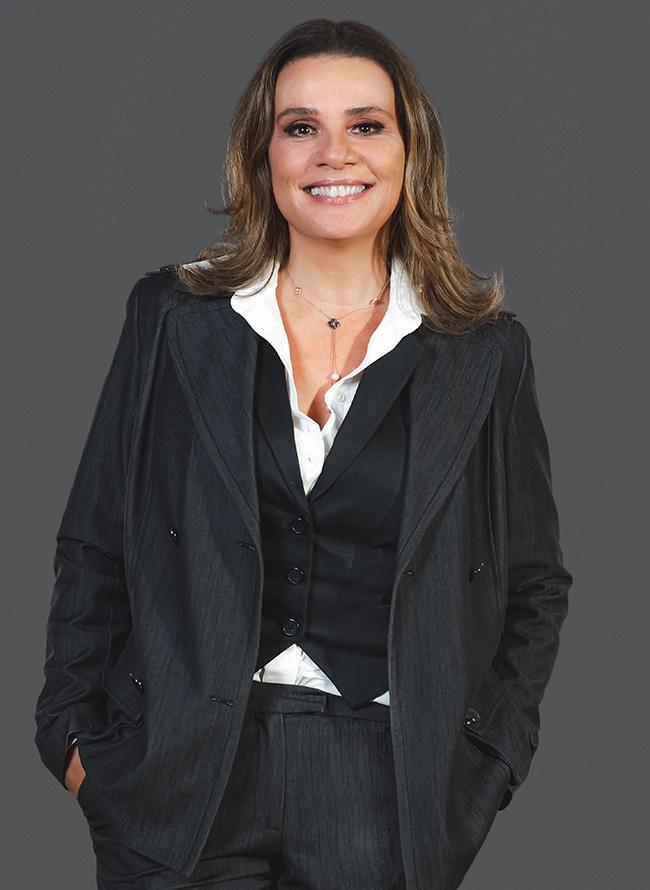 Renata Raupp Gomes - Menezes Niebuhr