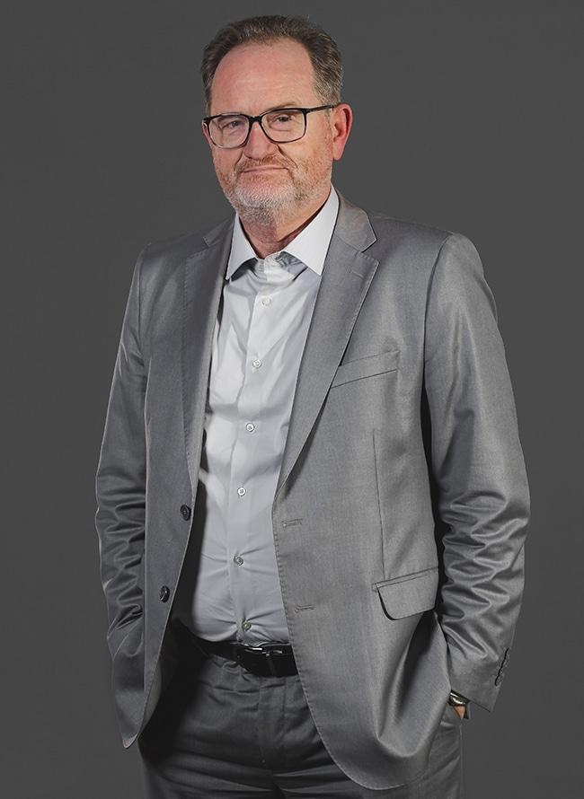 Gilson Wessler Michels - Menezes Niebuhr