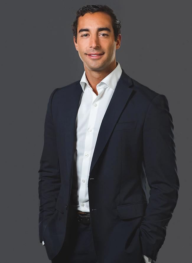 João Pavão Serra - Menezes Niebuhr
